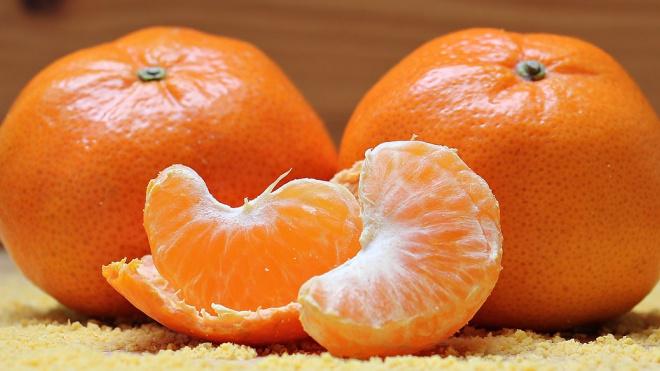 В Петербург доставили тонны зараженных мандаринов