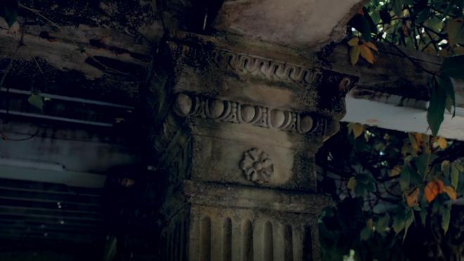 Дом на Малой Посадской остался без декора после капремонта