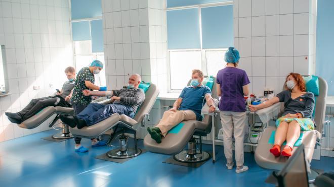 Петербургские больницы всё ещё нуждаются в донорской крови