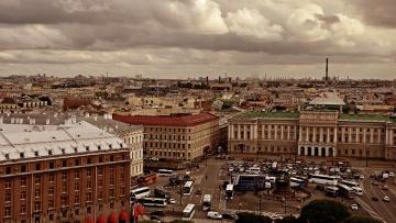 В Петербурге выставили на торги 40% крыш, ремонт которых...