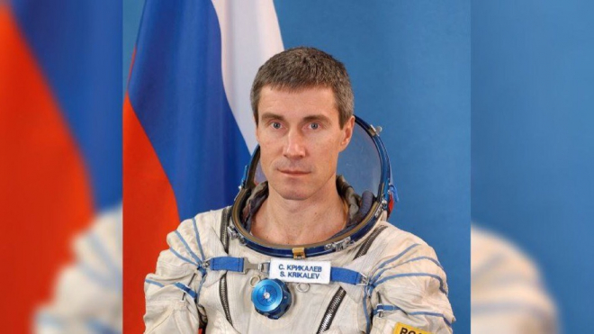 Депутат ЗакСа поздравил с юбилеем петербургского космонавта Крикалёва