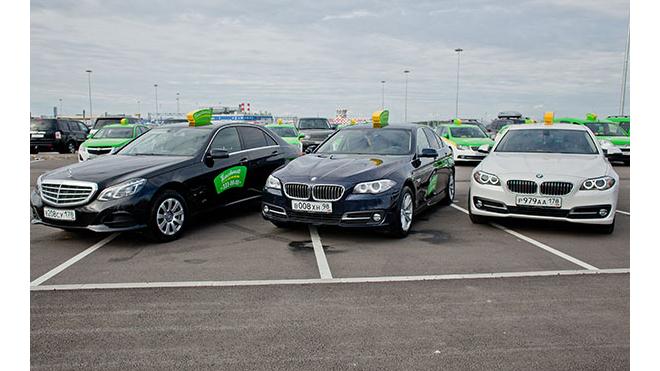 В Петербурге можно заказать такси на 5 языках