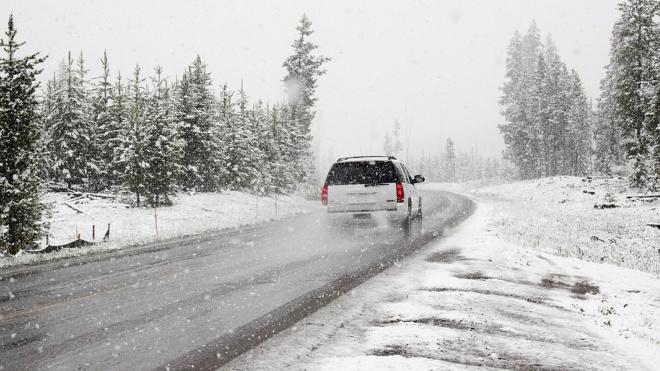 На Петербург движется циклон с ветром и мокрым снегом