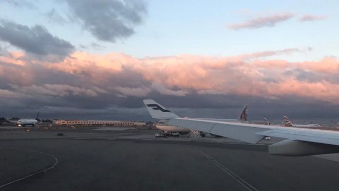 Рейс из Петербурга в Москву задержали на шесть часов