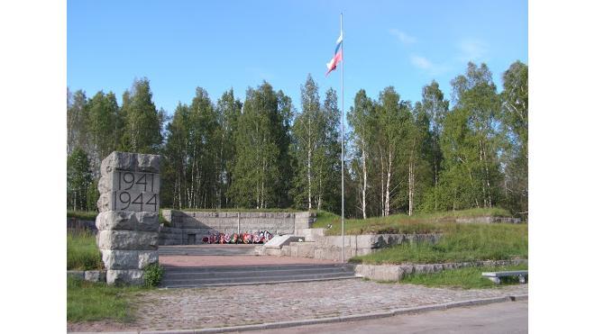 В Выборгском районе продолжают обследовать воинские захоронения
