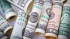 Эксперты: россиянам стоит отказаться от доллара