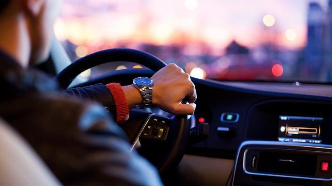 Каждый пятый петербуржец тратит на авто более 20 тысяч рублей в месяц
