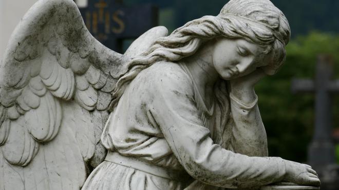 На кладбище в Ленобласти от выстрела погиб пожилой могильщик