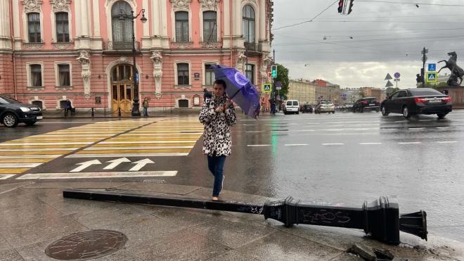 МЧС предупреждает петербуржцев об ухудшении погоды во вторник