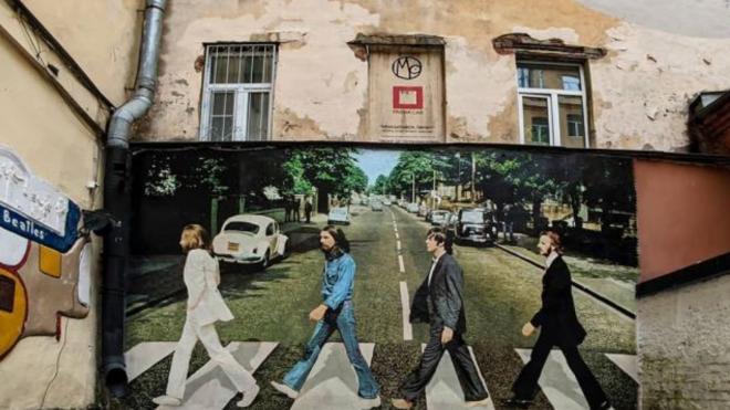 Петербург вошел в топ-5 регионов, где чаще всего в резюме упоминают The Beatles