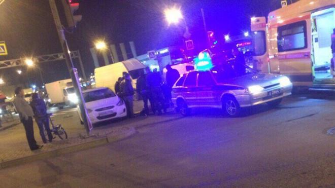 Во Фрунзенском районе иномарка сбила человека