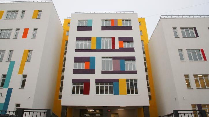 Строительный бум: в Санкт-Петербурге в эксплуатацию введено три объекта социального образования