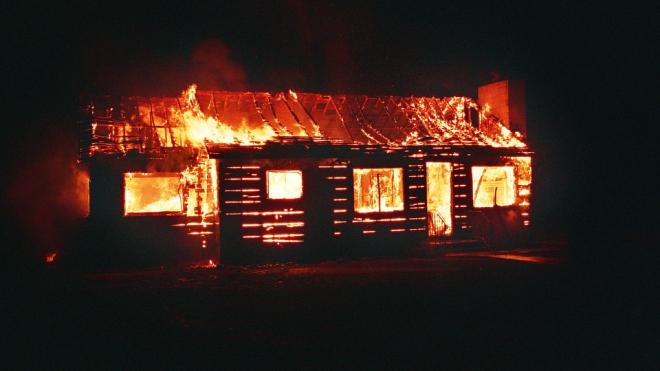 В Пушкинском районе сгорел частный дом
