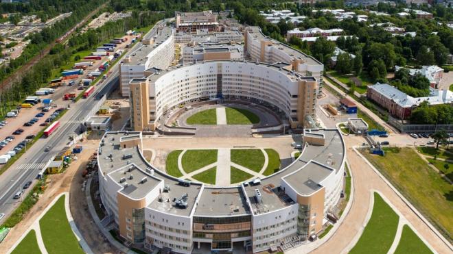 В Петербурге больных коронавирусом стали принимать четыре стационара
