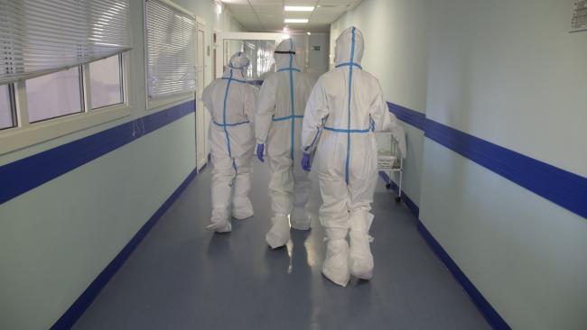 В Петербурге за сутки коронавирусом заболело 941 человек, на 15 меньше, чем днем ранее