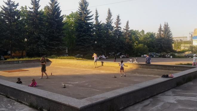 Жители Шушар припомнили губернатору невыполненное обещание отремонтировать фонтан на Первомайской