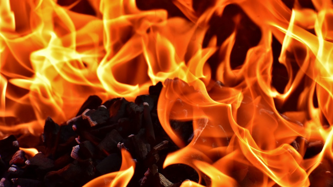 В Быково в Подмосковье произошел пожар в торговых рядах