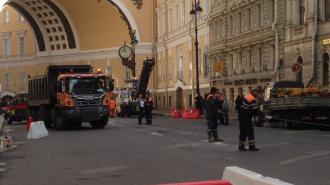 Петербуржцы рано обрадовались обустройству пешеходной зоны на Большой Морской