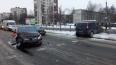 На Народной собралась пробка из-за разбитой машины ...