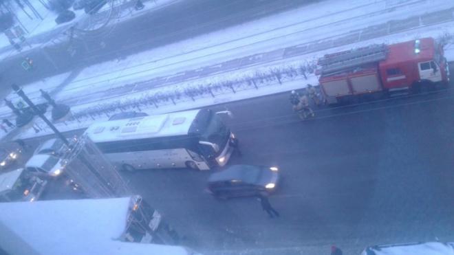 На Московском проспекте произошло массовое ДТП с участием автобуса