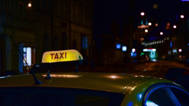 В Петербурге запустили голосование с предложением ввести этический кодекс для таксистов
