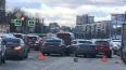 Тройное ДТП помешало проезду машин на Пискаревском ...