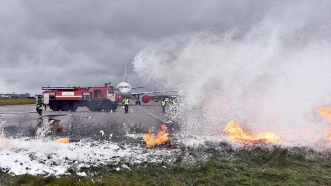 В Пулково спасатели отрабатывают действия при экстренной посадке Airbus A319