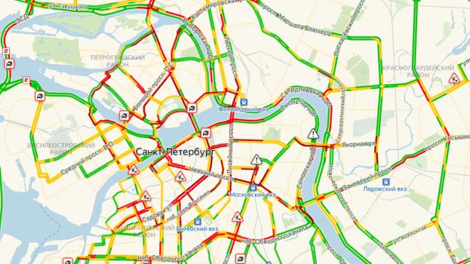 Водители вновь встали в пробку на Невском проспекте