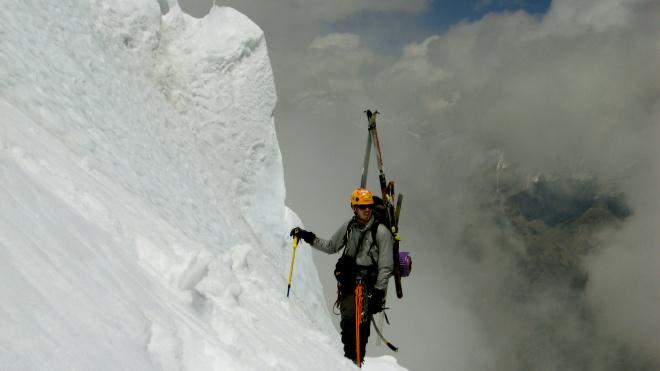 """""""Исполнить мечту и умереть"""": Американский альпинист погиб при спуске с Эвереста"""