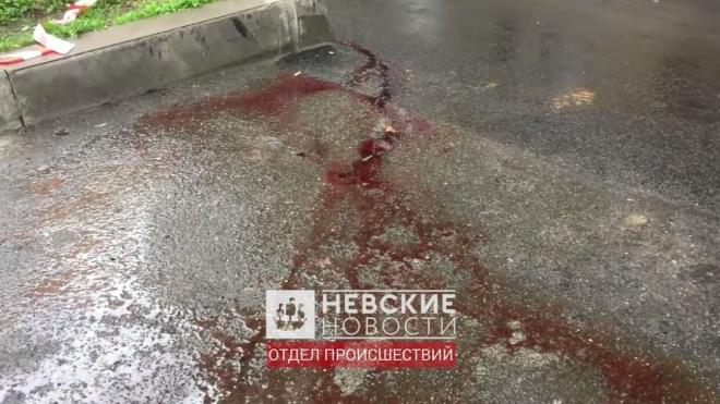 Под окнами дома в центре Петербурга нашли тело полностью раздетого подростка