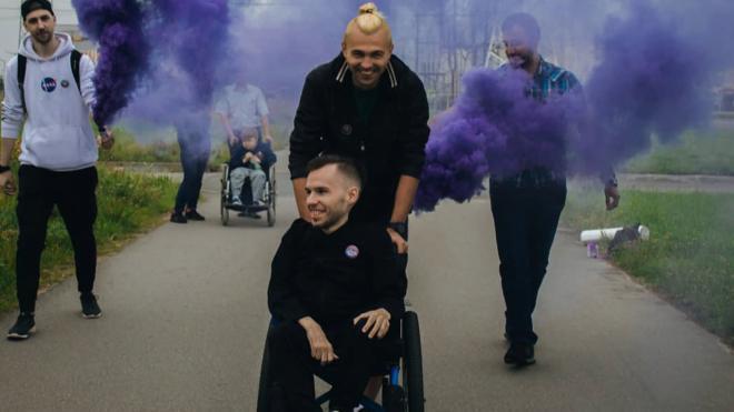 Благотворительный забег на коляске через Петербург. Когда понимаешь, что возможно все