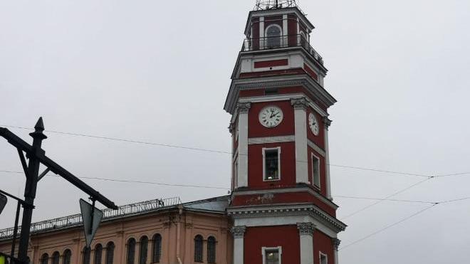 В Петербурге отремонтировали часы на Думской башне