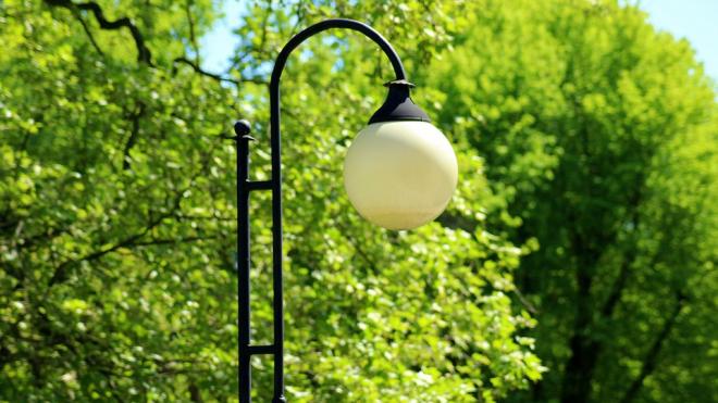 До середины лета в старой части Выборга не будет уличного освещения