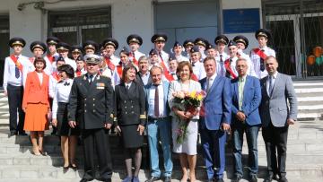 Председатель комитета по благоустройство поздравил выпускников Морской школы с последним звонком