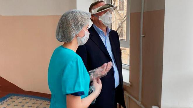 Беглов заявил о формировании культуры применения масок и перчаток