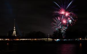 Небо Петербурга озарят 3 тысячи фейерверков в честь Дня ВМФ