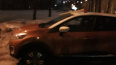 Мужчина с топором напал на автомобиль в Петербурге