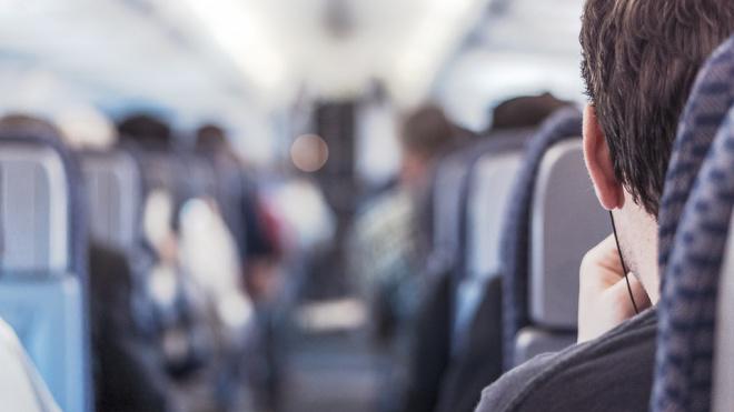 В Госдуме предложили обязать авиакомпании рассаживать членов семьи рядом друг с другом