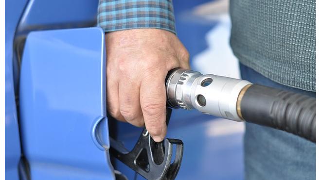 Эксперт: в России не будут введены ограничения на въезд в города бензиновым машинам