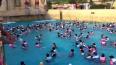 В Китае искусственная волна в аквапарке раскидала людей