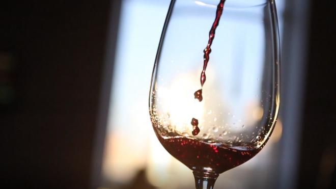 Ученые: красное вино поможет людям адаптироваться на Марсе