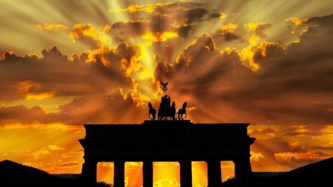 """В Германии заявили о новом витке в """"спирали угроз"""""""