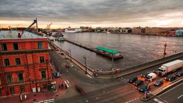 В Петербурге очистят от мусора акватории 216 рек и прудов
