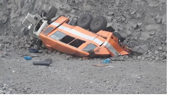 В Кузбассе грузовик с рабочими упал в обрыв. Опубликован список погибших и пострадавших.