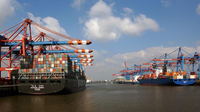 В Волгограде капитан танкера похитил 5 тонн груза