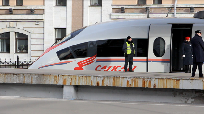 """Петербурженка стала 40-миллионным пассажиром поезда """"Сапсан"""""""