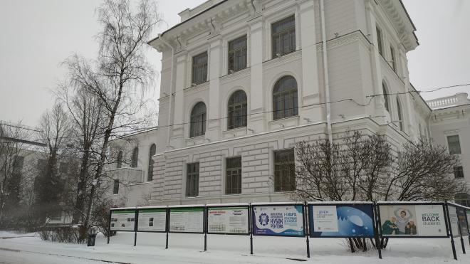 """Вузы Петербурга смогут сами решать, сколько """"платников"""" принять в 2021 году"""