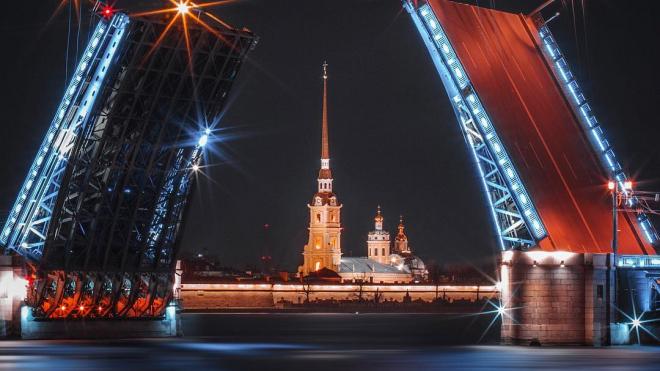 В Петербурге в ночь с 23 на 24 августа два моста разведут по измененному графику