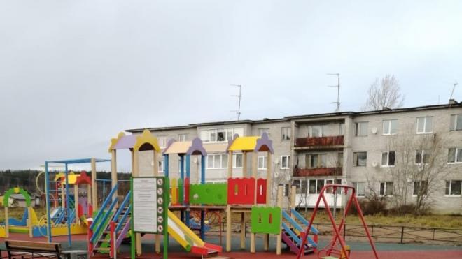 В поселке Возрождение Выборгского района обустроили спортивные и детские площадки