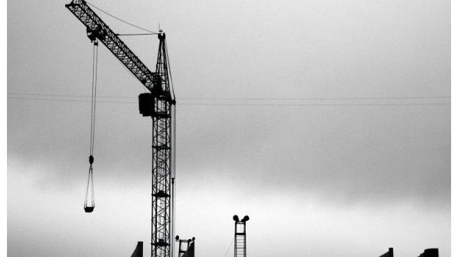 В Москве упавшая строительная балка убила человека